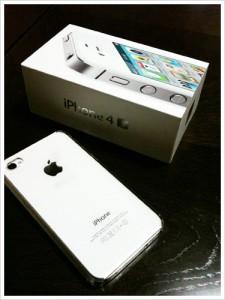 iPhone4Sの箱と本体
