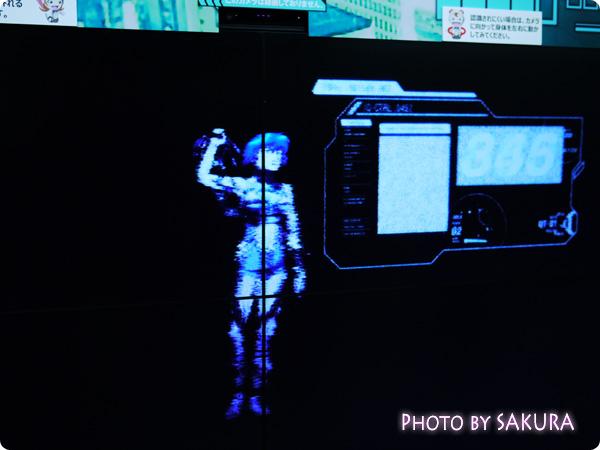 PSYCHO-PASS サイコパス×新宿メトロプロムナード シビュラシステム 映像が流れる