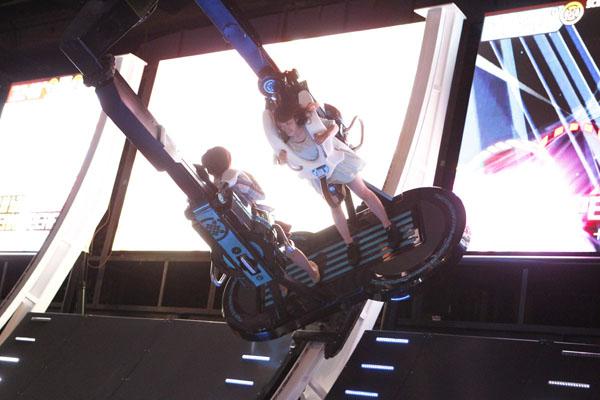 「進撃の巨人 Attack on Titan in JOYPOLIS」ハーフパイプトーキー