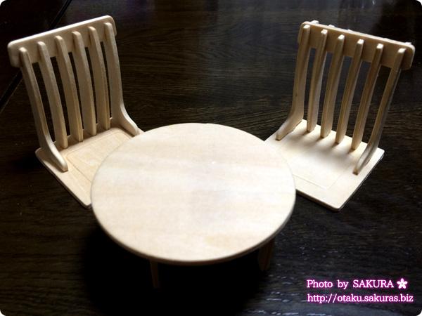 Can☆Do(キャンドゥ)のウッドクラフト 和室用 『ちゃぶ台と座椅子二脚』 完成図
