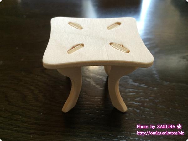 Can☆Do(キャンドゥ)のウッドクラフト イス2脚とテーブル テーブル完成