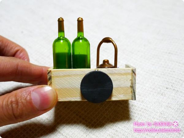 キャンドゥで買ったワインのマグネット 裏にはマグネットが