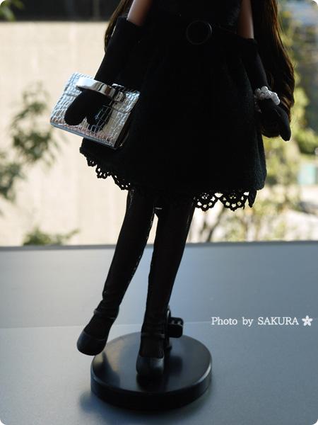 タカラトミー 大人向けリカちゃん 第3弾 リカ スタイリッシュドールコレクション 「ブラックショコラドレス スタイル」ストッキングやガーターベルトも付属品