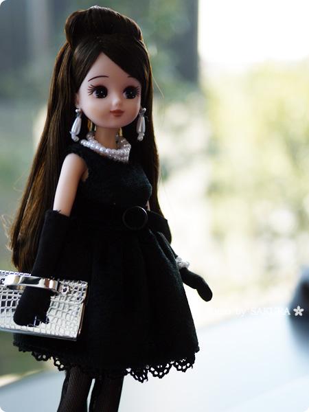 タカラトミー 大人向けリカちゃん 第3弾 リカ スタイリッシュドールコレクション 「ブラックショコラドレス スタイル」大人っぽいイヤリングやネックレスも付属品