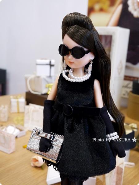 タカラトミー 大人向けリカちゃん 第3弾 リカ スタイリッシュドールコレクション 「ブラックショコラドレス スタイル」サングラス着用で女優オーラ全開