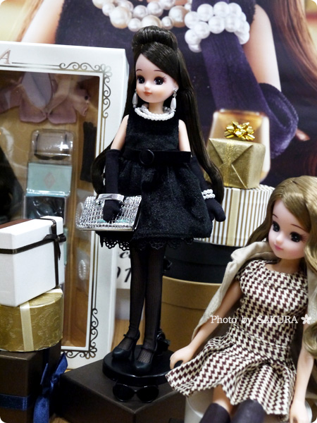 タカラトミー 大人向けリカちゃん 第3弾 リカ スタイリッシュドールコレクション 「ブラックショコラドレス スタイル」 全体
