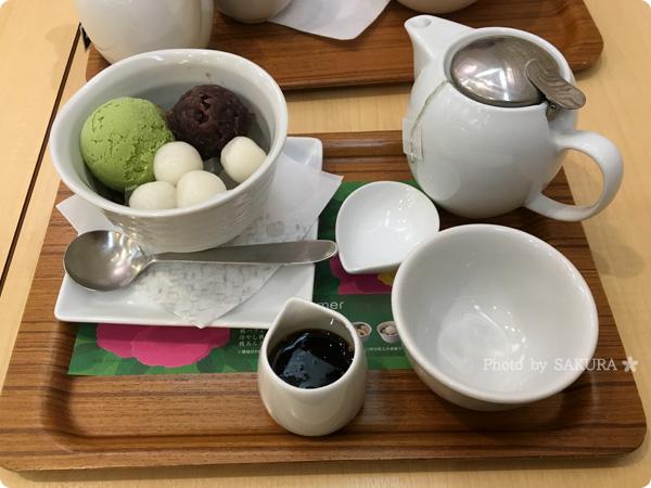 抹茶・日本茶カフェnana's green tea 抹茶クリームあんみつ 全体