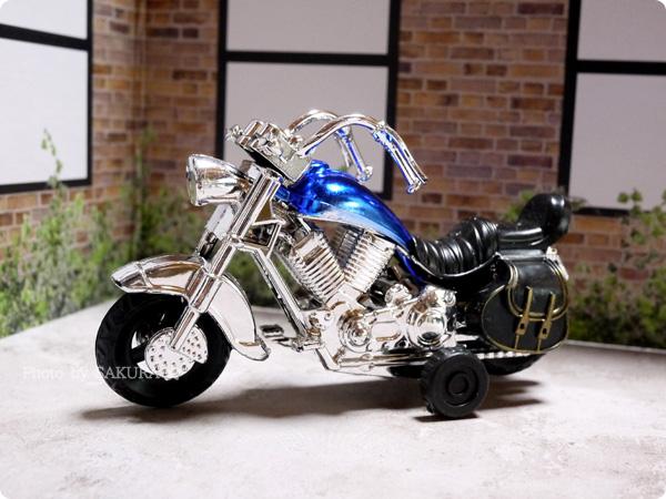 100円ショップSeria(セリア)「アメリカンバイク」プルバック式 ブルー 全体その1