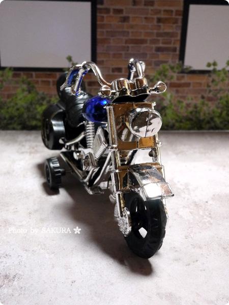 100円ショップSeria(セリア)「アメリカンバイク」プルバック式 ブルー 全体その3