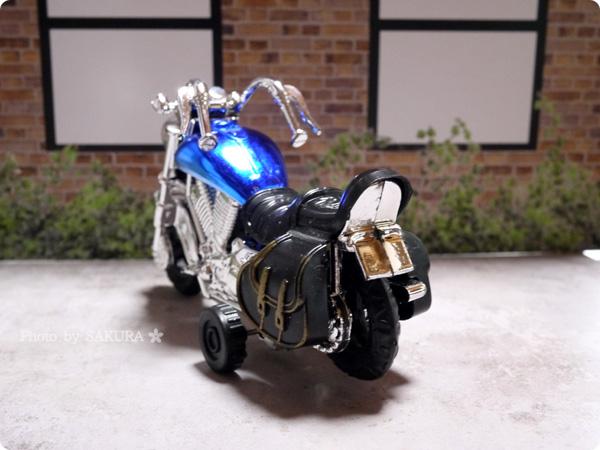 100円ショップSeria(セリア)「アメリカンバイク」プルバック式 ブルー 全体その4