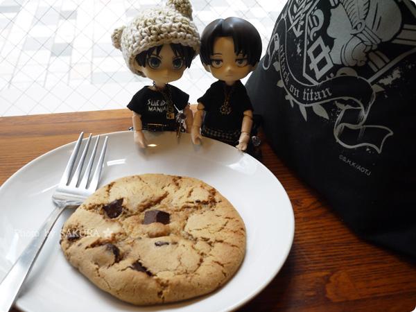 スターバックスコーヒー有楽町でチョコレートチャンククッキーとオビツろいど