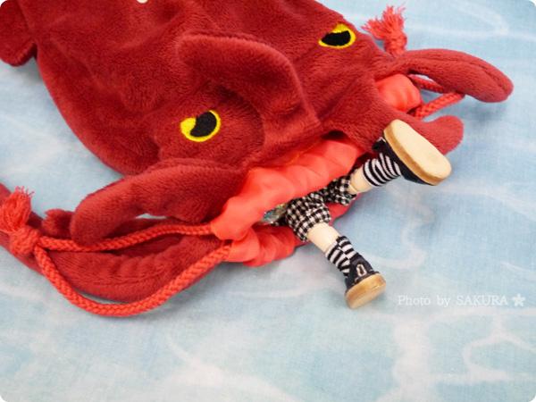 FELISSIMO(フェリシモ)「YOU+MORE! ギョッ!とびっくり 深海魚ポーチ〈基本編〉の会」 ダイオウイカ<子>とオビツ11(オビツろいど)