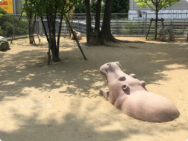渋谷 宮下公園 カバがポケストップになっている