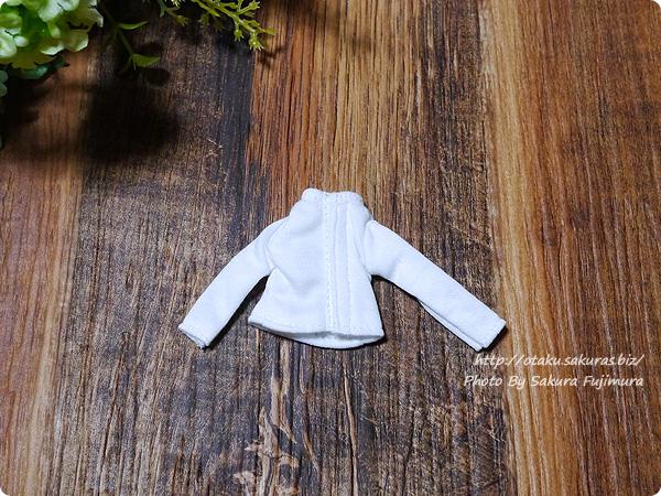 アゾン 1/12用 長袖Tシャツ(ホワイト) 裏側はマジックテープ