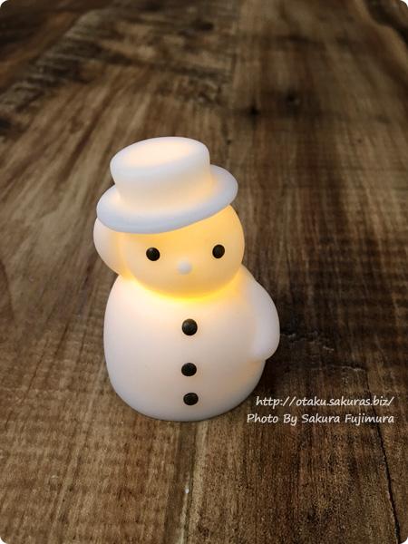 セリア(Seria) LED light 雪だるま(点滅タイプ) 点灯時