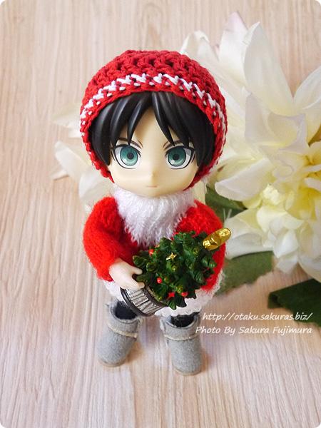 100円ショップキャンドゥのクリスマス用ミニオーナメント ミニチュアクリスマスツリーとオビツ11(オビツろいど)