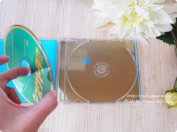 「Oh! スケトラ!!! ユーリ!!! on ICE/オリジナル・スケートソングCOLLECTION」 盤面のCD下には「Oh!」と文字入り