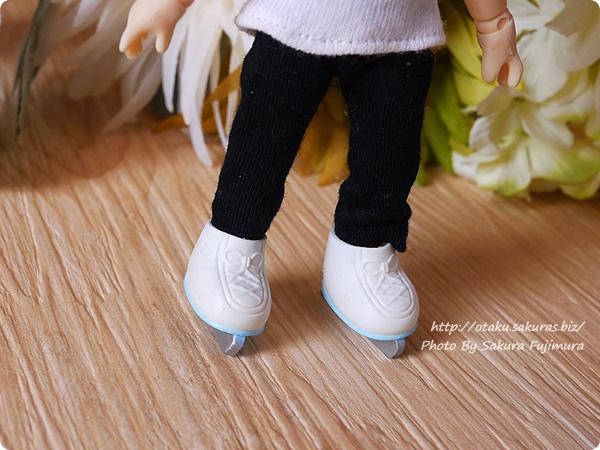 シルバニアファミリー『なかよしアイススケートセット』  付属のスケート靴はオビツ11でも自立可能 その4