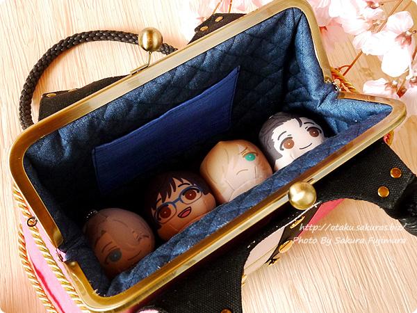 手作り屋 万莉さんのヴィクトル衣装の手作りがま口バッグ 長財布はもちろん、おまんじゅうもはいる!