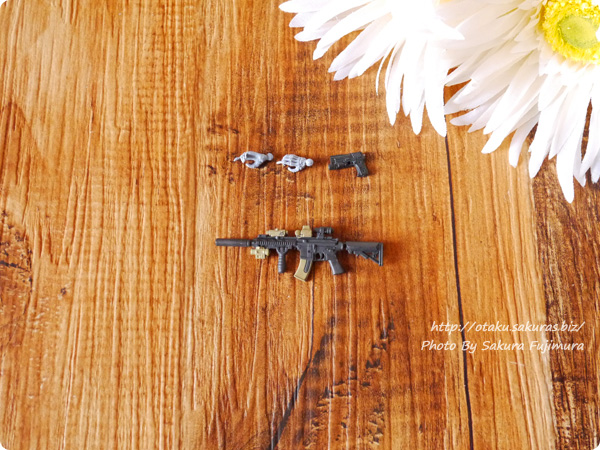 海洋堂ガチャ「戦え!ドクロマン タクティカルアームズ-DEVGRU-」ガチャガチャの「アサルトライフル サプレッションカスタム HK416D」+「SIG P226 MK25」「銃用握り手」