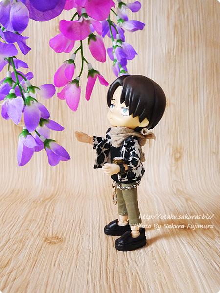 100円ショップ・ダイソーで買った藤の花の造花 2種類 オビツろいど・ねんどろいど・フィギュア・ドール撮影の撮影小道具 その1