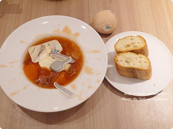 原宿・表参道OMOTESANDO BOX CAFE&SPACE「ユーリ!!! on ICE カフェ」 ユリオの名言ボルシチ