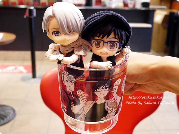 コールド・ストーン・クリーマリー (Cold Stone Creamery)  東京スカイツリー・ソラマチ店 ユーリ!!! on ICEコラボ ユリオクーリーズカップ オビツろいど勇利とオビツろいどヴィクトル