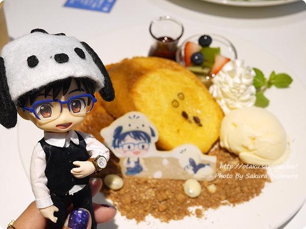 ユーリ!!! on ICE×サンリオ 期間限定コラボカフェ「Yuri on Ice×Sanrio characters Cafe」 勇利とポチャッコのたまご探しフレンチトーストとオビツろいどヴィクトル