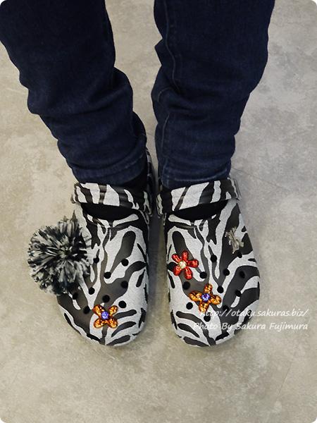 crocs(クロックス)2017年秋冬新作 Christopher Kane x Crocs White Tiger Clogs (クリストファー ケイン x クロックス ホワイトタイガー クロッグ) 着画