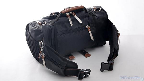 【進撃の巨人×TokyoOtakuMode】立体機動装置型ウエストバッグ「立体機動ポーチ4wayバッグ進撃の巨人モデル」 黒 背面デザイン