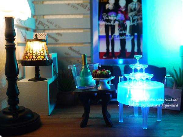 エポック社カプセルコレクション「シャンパンタワー」ガチャガチャ グラスタワーとイルミネーションテーブル、ワインボトルとワインクーラー