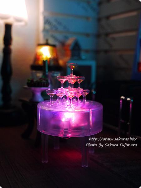エポック社カプセルコレクション「シャンパンタワー」ガチャガチャ グラスタワーとイルミネーションテーブル