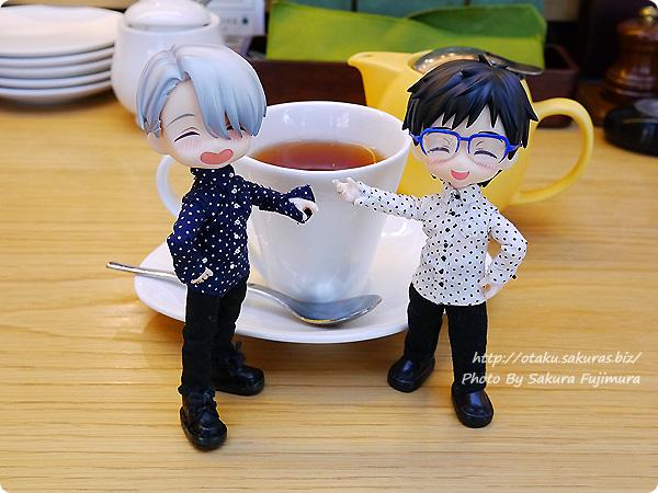 カフェにてリヴァイ&ヴィクトル誕生日前夜祭 YOIオビツろいど