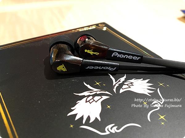 ユーリ!!! on ICE×Pioneer(パイオニア)イヤホン公式コラボモデル Pioneer SE-CL722T イヤホン ユーリ!!! on ICE コラボ ヴィクトル・ニキフォロフモデル イヤホンアップ