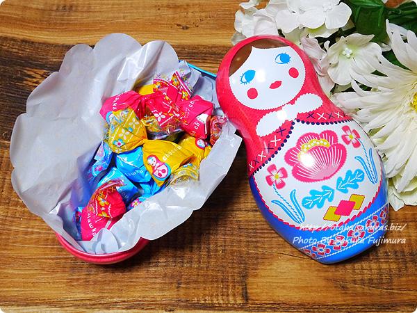 メリーチョコレート「ショコラーシカ」98g 中身はマトリョーシカの包装紙のチョコレート