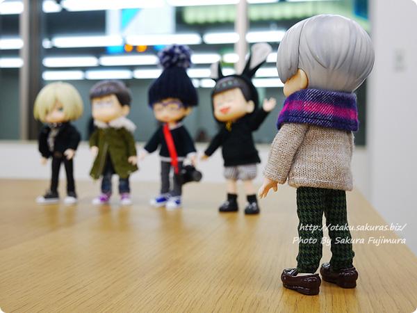 【オカダヤ新宿本店】荒木さわ子さんと一緒に作る「オビツ11サイズのシューズ」ワークショップ 会場にいたオビツろいどたちと記念撮影その2