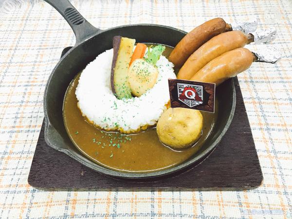 【進撃の巨人×富士急ハイランド】フジキュウ区奪還カレー1400円