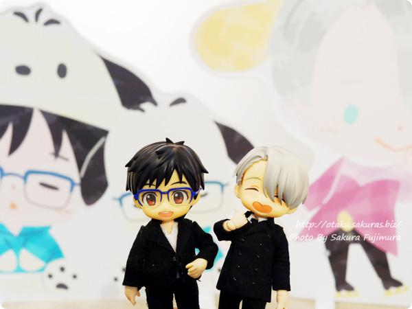 ユーリ!!! on ICE×サンリオコラボカフェ「Yuri on Ice×Sanrio characters Cafe」第2弾 一階 YOIオビツろいど ヴィクトル&勇利 その2
