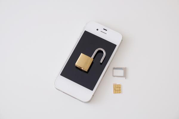 iPhone SIMロック解除(SIMフリー化)