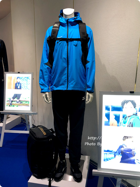 「ミズノ・ユーリ!!! on ICE コラボレーション展示イベント」東京会場 勝生勇利ウインドブレーカー