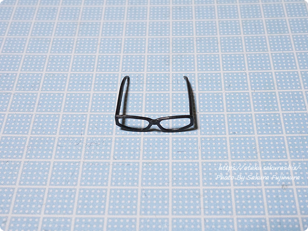 アゾンインターナショナル「アゾン 1/6サイズ マテリアルパーツ メガネsetⅡ」はつるが太い