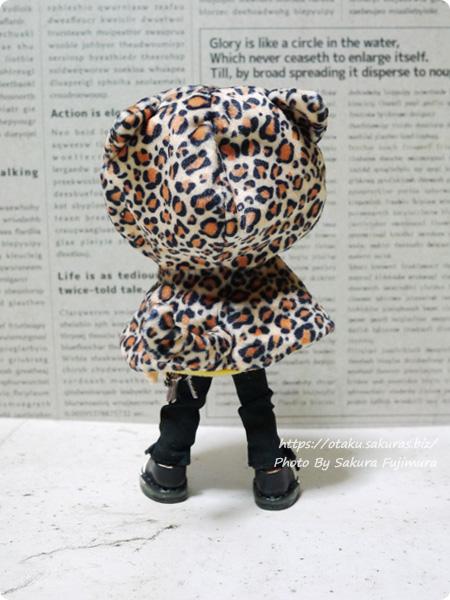 プルーフ(PROOF)「ねこさんのケープ2」ガチャガチャ ひょう柄 オビツ11ボディのオビツろいど着画 後ろ