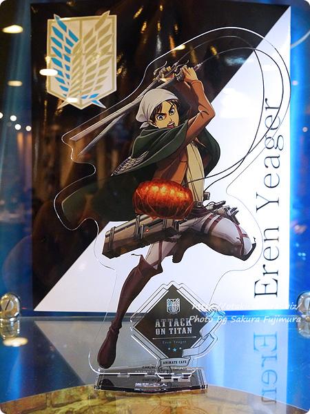 アニメイトカフェ×進撃の巨人 Season3コラボカフェ 超大型アクリルスタンドフィギュア エレン