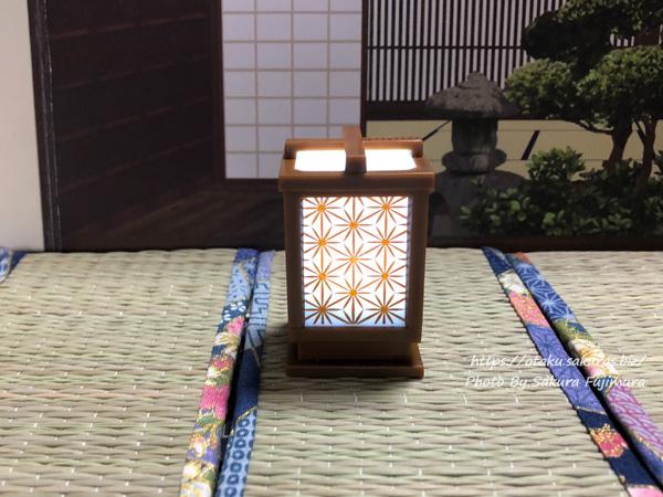 シャイング「LED行灯」ガチャガチャ 麻の葉/茶色(点灯後)