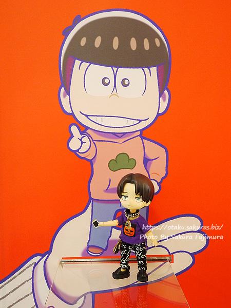 松坂屋上野店「オランジュ・ルージュ5周年展」おそ松さんの撮影スポットにて記念撮影